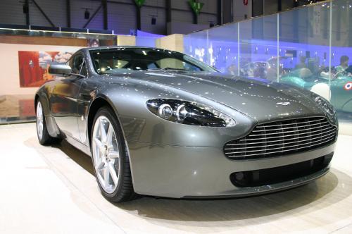 Aston Martin V8 Vantage, Aston Martin